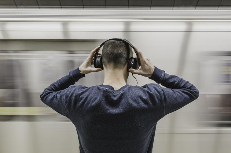Bahnfahrend Blogcast hören